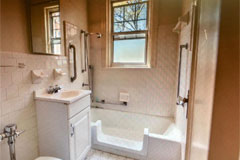 active senior apartments in st. louis with private bathroom