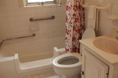 retirement senior apartments with private bathroom in st. louis
