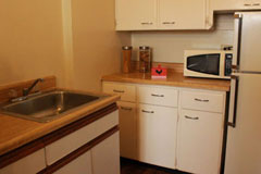 spacious senior apartments in st. louis with kitchenette